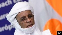 Firayim Ministan Nijar, Brigi Rafini wanda ya kasance a wurin taro kasashen uku