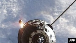 Rusia shtyn kthimin e 3 astronautëve nga Stacioni Ndërkombëtar i Hapësirës