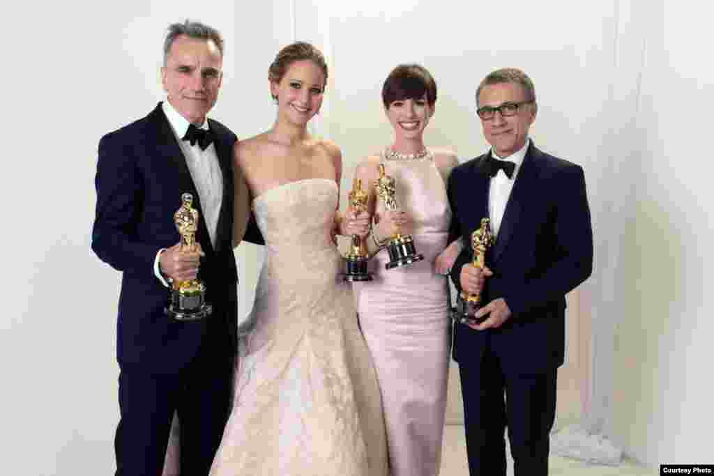Daniel Day-Lewis, Jennifer Lawrence, Anne Hathaway û Christoph Waltz.