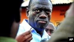 Kiongozi wa upinzani Uganda Dr. Kizza Besigye.