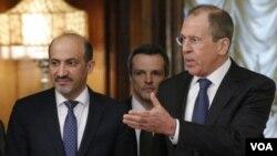 拉夫羅夫(右)在莫斯科與賈爾巴(左)會晤