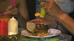"""رستوران همبرگر و پیتزا """"لا پاچانگا"""" در هاوانا"""