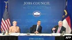 Obama na sastanku sa članovima Specijalnog saveta za poslove i konkurentnost.