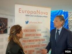 EuropaNova'nın Başkanı Denis Simmoneau, Paris'te VOA Türkçe muhabiri Arzu Çakır'la