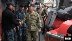 美國海軍作戰部長理查森上將2017年12月16日視察第七艦隊 (美國海軍照片)
