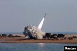 Bắc Triều Tiên phóng nhiều phi đạn tầm ngắn hôm 3/3 trong hành động mà người ta coi là thách thức các biện pháp chế tài vừa được mở rộng và được đồng thanh chấp thuận tại Hội đồng Bảo an LHQ.