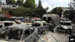 El primer ministro griego declaró tres días de luto nacional por las personas fallecidas durante los incendios forestales cerca a Atenas.
