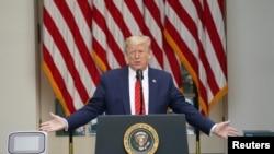 도널드 트럼프 미국 대통령이 11일 백악관 로즈가든에서 신종 코로나바이러스 감염증(COVID-19) 관련 기자회견을 열었다.