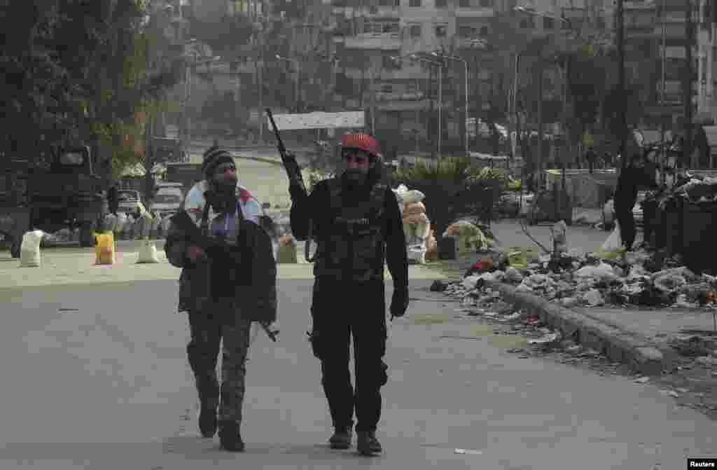 Sirijski pobunjenički borci u Alepu, 10. januar, 2014.