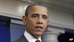 """在美国会议员组成的""""超级委员会""""11月21日没能达成削减联邦政府赤字的计划后,奥巴马总统在白宫发表声明"""