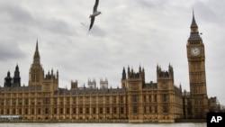Perbaikan menara dan jam Big Ben di gedung parlemen di London akan menelan biaya hingga 40 juta poundsterling atau sekitar 61,7 juta dolar.