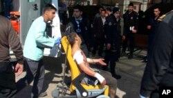 Một người dân Syria bị thương sau một vụ nổ tại Al-Bab, một thành phố nằm phía Bắc Syria.