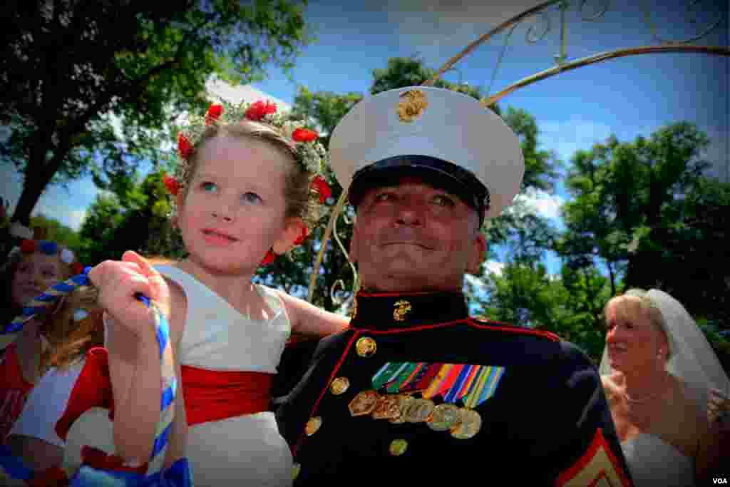 Сержант и девочка