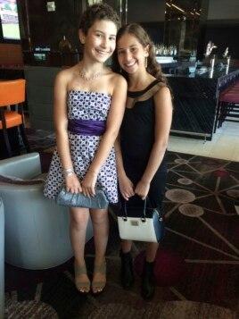 Noa và em gái của em trong Tuần lễ Thời trang LA.