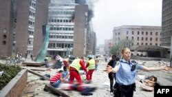 Vụ đánh bom nhắm vào trụ sở chính phủ tại Oslo, thủ đô Na Uy, làm 7 người thiệt mạng, 22/7/2011