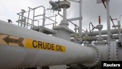 美國原油期貨價格歷史性暴跌 市場錯位賣家倒貼