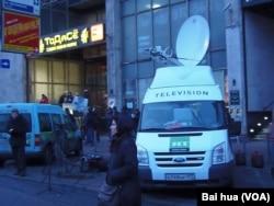 停在莫斯科市中心,今日俄羅斯電視台(RT)的電視轉播車(美國之音白樺拍攝)