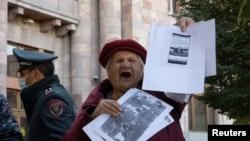 亚美尼亚人抗议纳-卡和平协议的签署(路透社2020年11月10日)