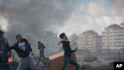 Người biểu tình Palestine đụng độ với binh sĩ Israel ngày 7/12 sau các cuộc biểu tình chống lại quyết định của Tổng thống Mỹ Donald Trump công nhận Jerusalem là thủ đô của Israel.