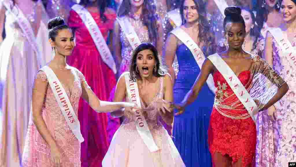 Puerto Rikodan Stefani Del Val (o'rtada) Dunyo go'zali-2016 deb topildi, AQSh