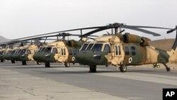 """Arhiva - Američki helikopteri Belk hok (""""crni soko"""") u sastavu Vojske SAD, u Avganistanu"""