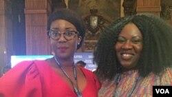 Frances Udukwu (à g.), Miss Africa USA et fondatrice de la Fondation Lead Girl, et Omolola Adele-Oso, co-fondatrice et directrice exécutive de Act4Accountability, au Sommet des affaires Etats-Unis Afrique, le 21 septembre 2016. (C. Saine/VOA)