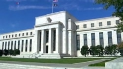 Federal Reserve Says US Economy Strong But Waits to Raise Rates