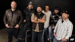 Zac Brown Band ocupando un lugar en los Top 10 de la cartelera country.