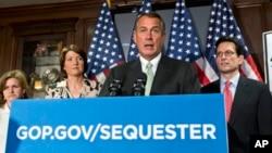 El líder republicano de la Cámara de Representantes, John Boehner, culpa de no hacer nada al Senado controlado por los demócratas.