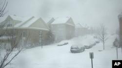 首都华盛顿郊外北维州漫天飞雪