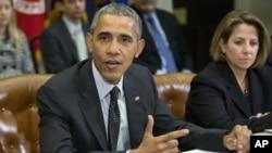 9일 바락 오바마 미 대통령이 백악관에서 국가안보 및 사이버 안보 보좌관들과 회의를 가졌다.