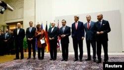 Участники переговоров по ядерной программе Ирана. Женева. Швейцария. 23 ноября 2013 г.
