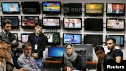 د کال ۲۰۱۸ د افغانستان د ټولو ټېلې وژن د خبریالانو یو تصویر