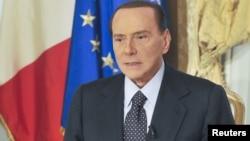 贝卢斯科尼10月25日在罗马