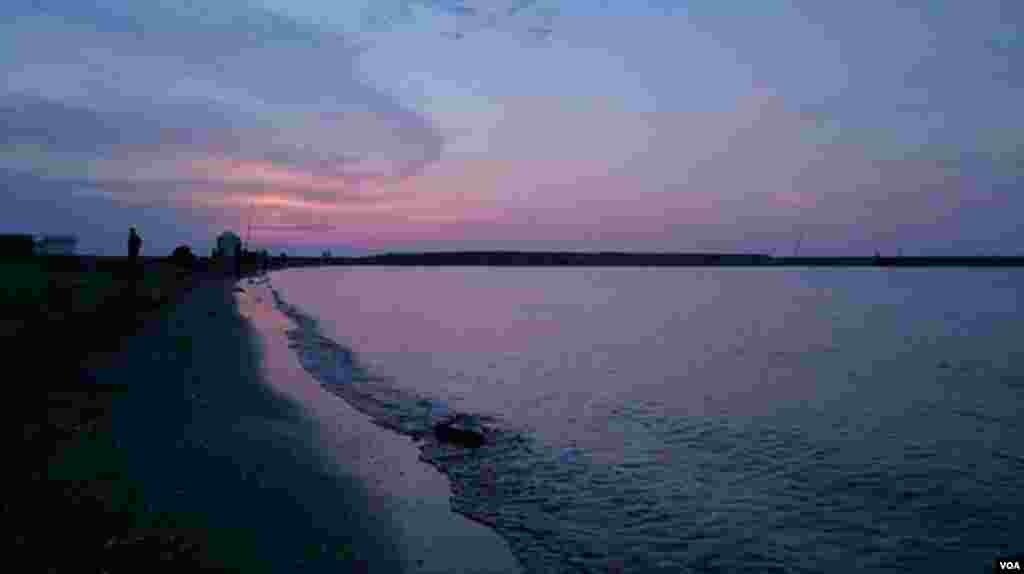 نمایی از ساحل انزلی عکس: حمیدرضا گلاب (ارسالی شما)