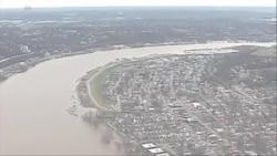 VOA英文视频:美国大片地区遭遇大水和强风袭击