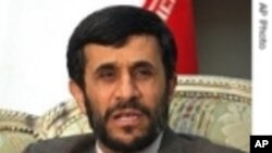 Ahmadinejad Visita Oficialmente o Zimbabwe