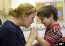 Svaki četvrti roditelj u SAD veruje da pojedine vakcine izazivaju autizam