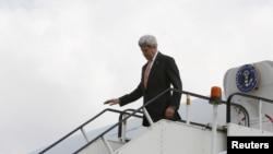 2016年4月9日美國國務卿克里抵達阿富汗喀布爾。