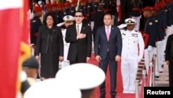 2015年7月时任台湾总统的马英九访问多米尼加(路透社)