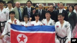 지난 2011년 미국을 방문한 북한 태권도 시범단