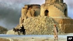 یک داش خشتپزی در افغانستان (عکس از آرشیف)