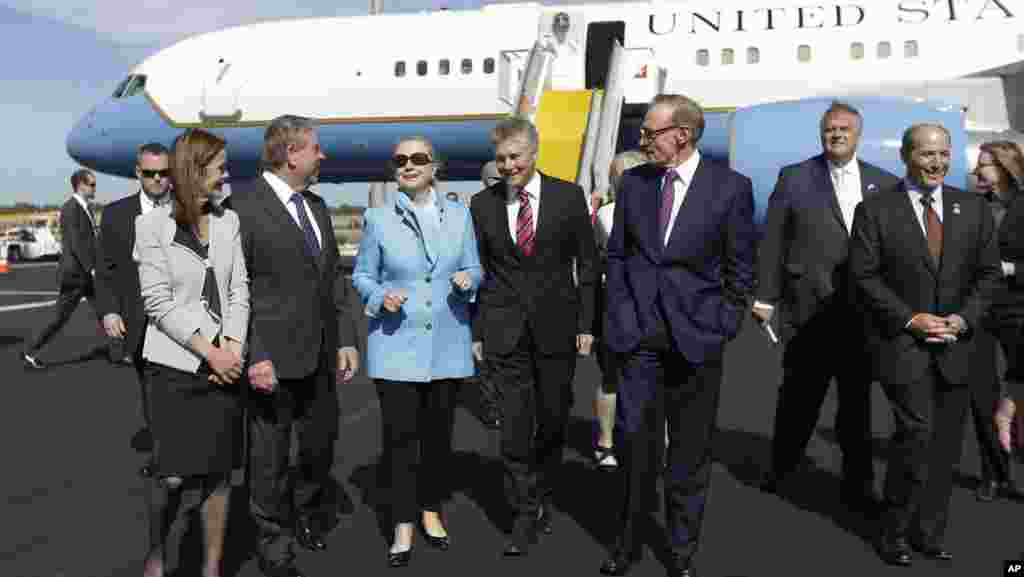 U.S. Secretary of State Hillary Clinton, meets with Australian officials upon her arrival in Perth, November 13, 2012.
