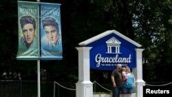 Graceland, en Memphis, Tennessee, atrae a los seguidores de Elvis Presley de todo el mundo.