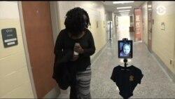 Роботы помогают больным школьникам