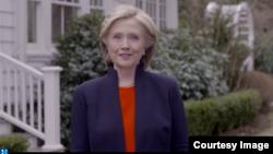 Mantan Menlu AS, Hillary Clinton secara resmi mengumumkan kampanyenya bagi nominasi Capres Partai Demokrat dengan rekaman video online, Minggu (12/4).