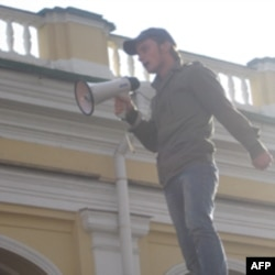 Петербургские «несогласные» забывают о разногласиях в борьбе за общие права