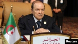Le président algérien Abdelaziz Bouteflika, le 5 novembre 2011 à Doha.