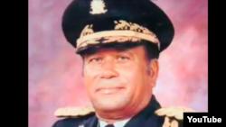Henri Namphy, kòmandan an chèf l'Ame d Ayiti e prezidan Konsèy Nasyonal Gouvènman Pwovizwa 1986 la (KNGP).