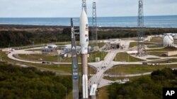 کریوسٹی نامی ناسا کی مریخ کے لیے سائنسی لباریٹری مشن پر روانہ
